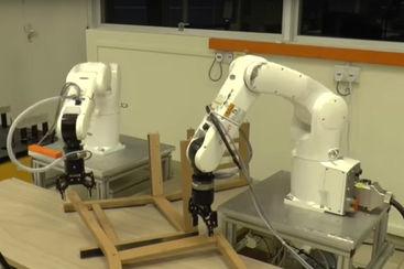 des robots pour assembler les meubles ikea. Black Bedroom Furniture Sets. Home Design Ideas