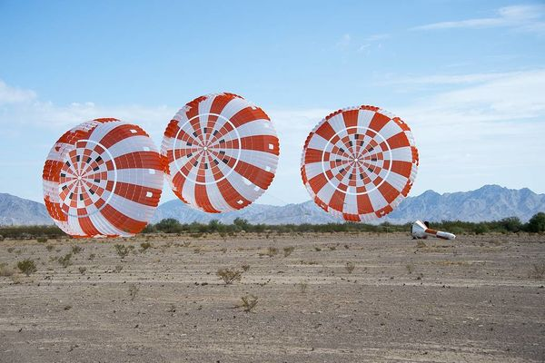 La Nasa effectue le test final des parachutes d'Orion