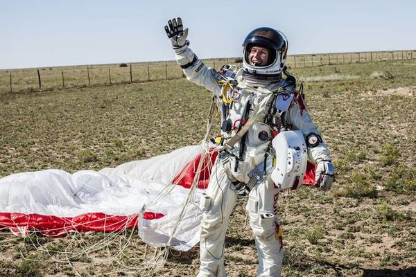 Baumgartner : le saut aux 3 records