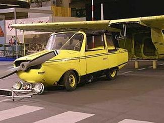 L'Autoplane de 1973 de Robert Lebouder a été exposée à Rétromobile en 2005