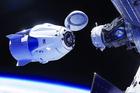 Pour bien commencer la semaine, le vol historique de SpaceX vers la station spatiale internationale