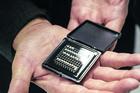 Des circuits bio-inspirés grâce à la face cachée des transistors