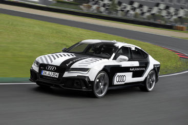 voiture autonome une audi rs 7 roule sans pilote 240 km h sur le circuit d 39 hockenheim. Black Bedroom Furniture Sets. Home Design Ideas