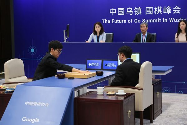 Intelligence artificielle : AlphaGo s'affranchit de ses professeurs