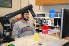 [Vidéo] Un bras robotique contrôlé par la pensée... et sans implant !