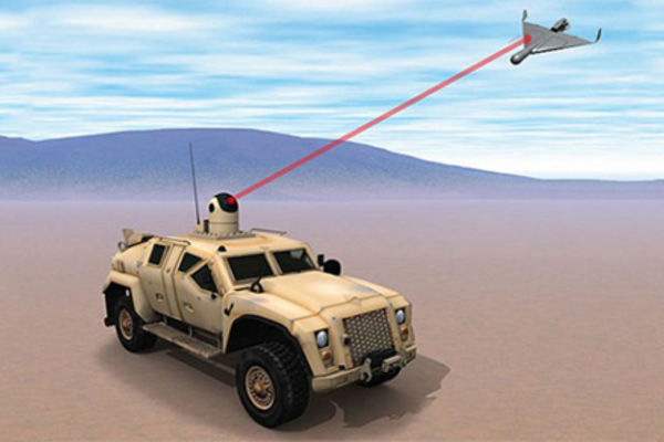 L'US Navy veut adapter ses lasers antidrones aux véhicules terrestres
