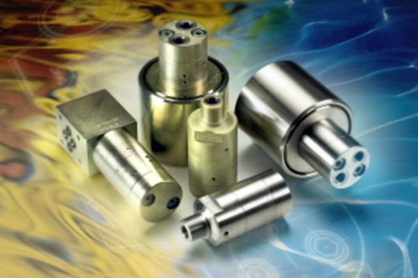 Amplificateurs de pression hydraulique compacts