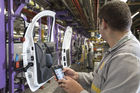 Comment Renault va déployer la RFID active pour suivre 500 000 emballages dans 8 usines européennes